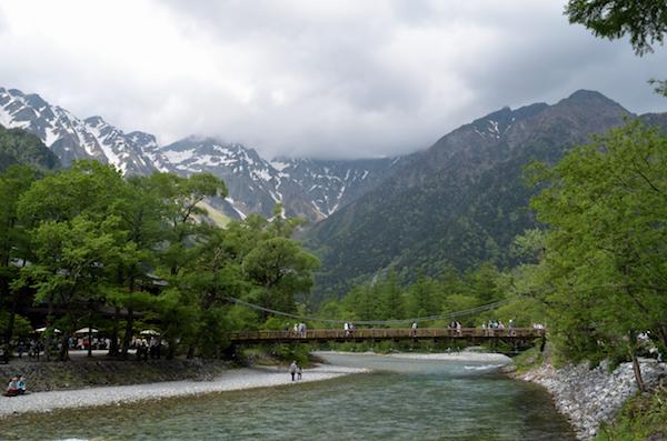 上高地 自然研究路 河童橋方面