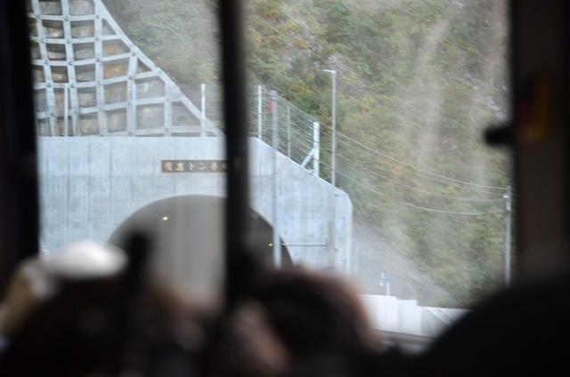 南アルプス林道 鷹岩トンネル