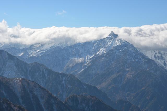 燕岳 山頂からの眺め 東鎌尾根〜槍ヶ岳