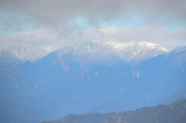 横川山 山頂 空木岳〜南駒ヶ岳方面