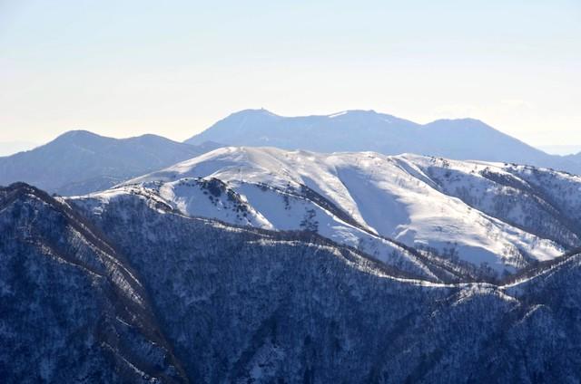 藤原岳 山頂からの眺め 竜ヶ岳、御在所岳方面