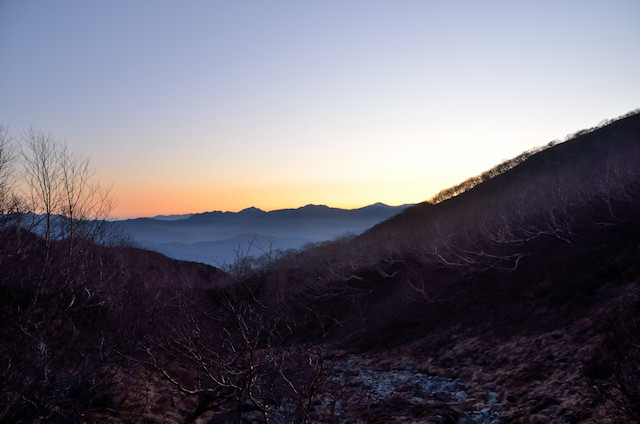 空木平避難小屋~空木岳 日の出前