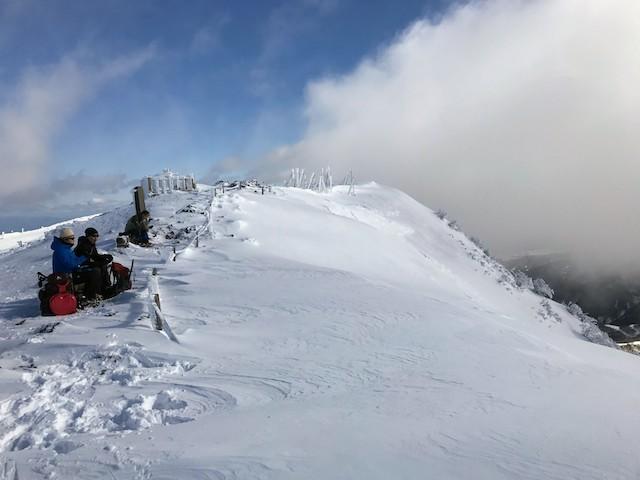 伊吹山 冬 雪山登山 山頂