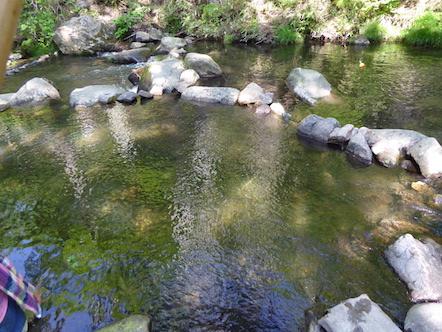 神越渓谷マス釣場