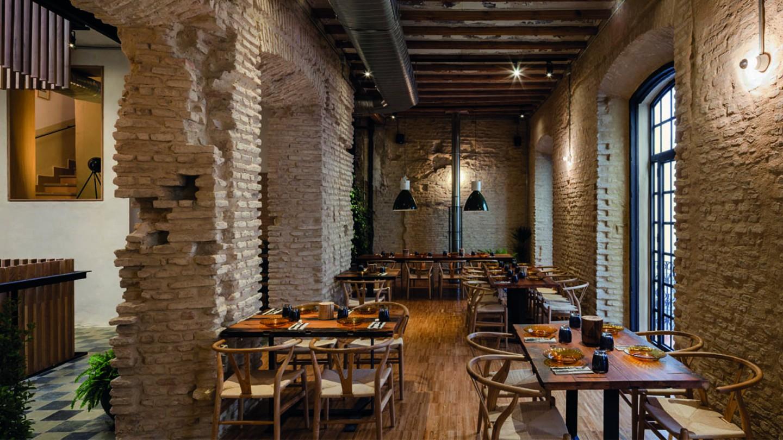 Los Mejores Sitios Para Comer En Sevilla Espaa Perro Viejo Eslava