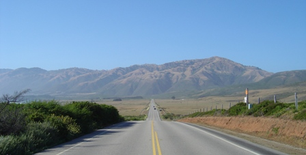 pacific coast highway heads into the mountains