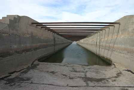 Inside the Flume, River that Crosses Itself, Carlsbad New Mexico