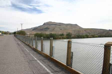Rio Grande River & Old Bridge, Routes 28 185