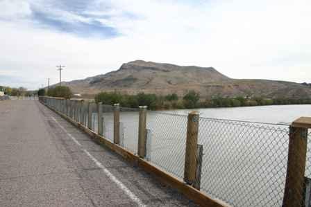 Rio Grande River & Old Bridge, Routes 28 185