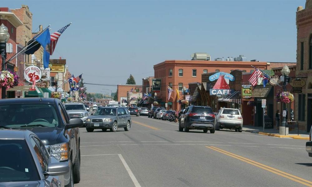 red lodge montana essay Tucked into a mountain valley between glaciers and plains, red lodge is a  the  economic and business center of billings, montana is just 60 miles north, the.