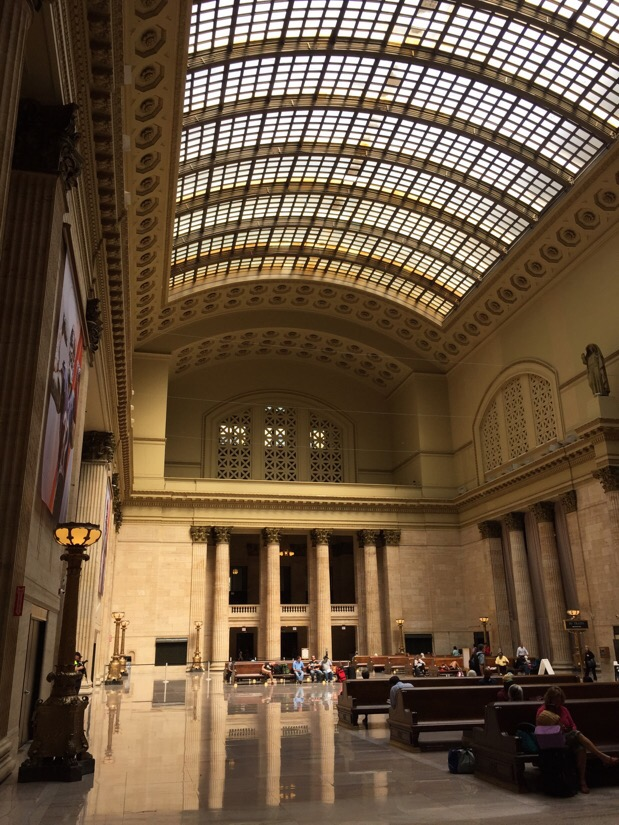 main hall at union station in chicago