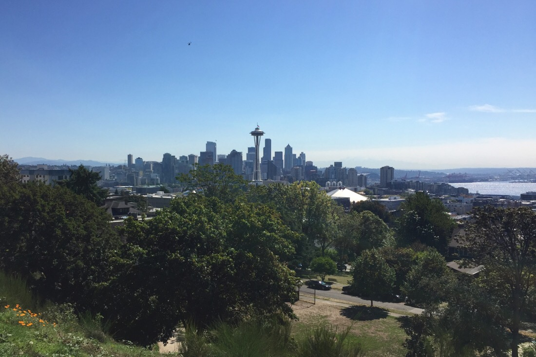kerry park in queen anne hill, seattle