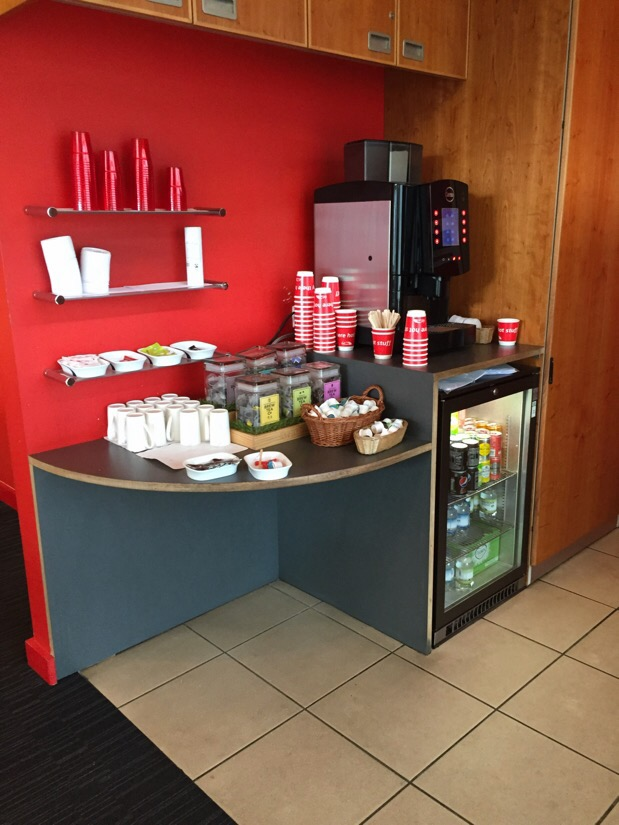 virgin trains 1st class lounge in liverpool