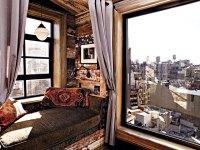 Zach Braffs New York apartment | takeoutsomeinsuranceonme