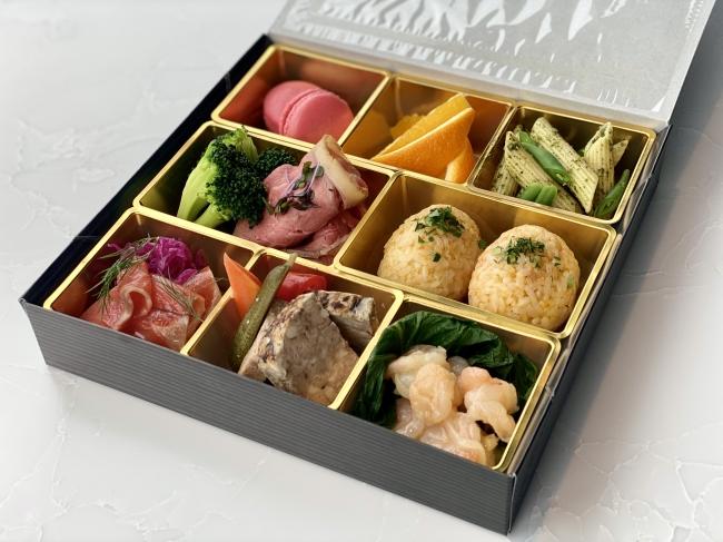 BREEZE OF TOKYO 特製BOX
