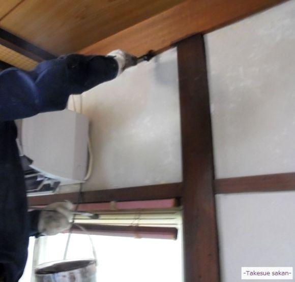 オイルステインで柱など木部塗装