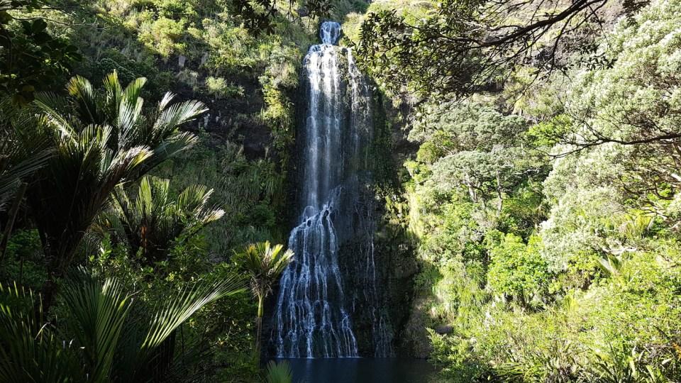 visiting Karekare falls New Zealand