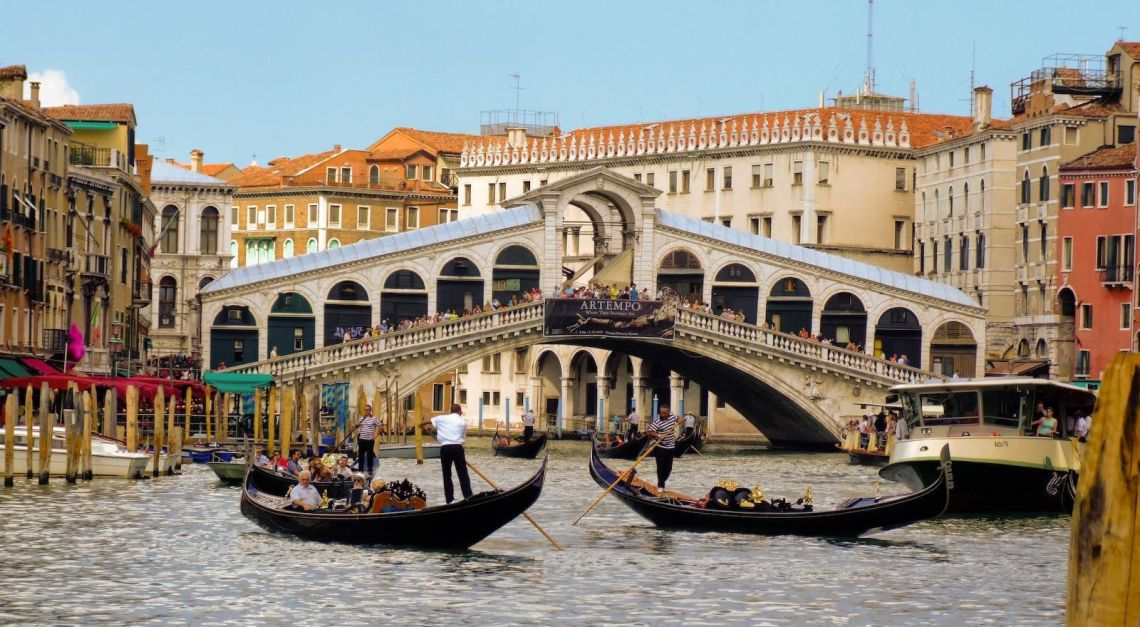 the top 10 things to do in Italy