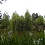 În cadrul complexului se poate pescui în unul din lacuri