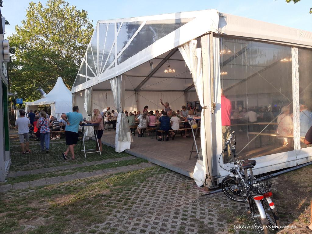 cortul pentru evenimente de seara