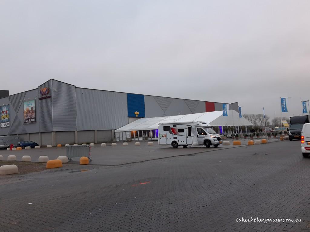 Intrarea expo Caravana