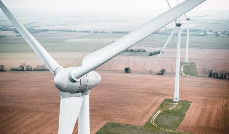 エネルギーを感じる風車