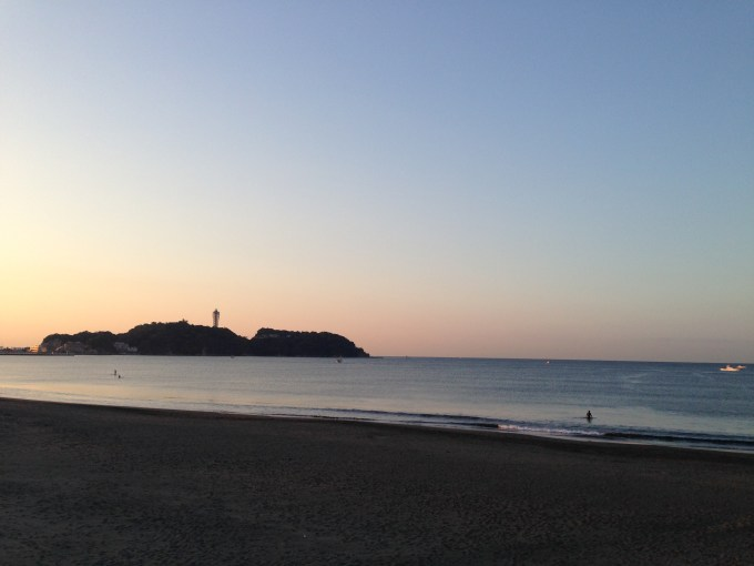 鵠沼海岸から見える江ノ島