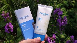Frudia Sun Essence SPF50+/PA++++ – idealny filtr pod makijaż?