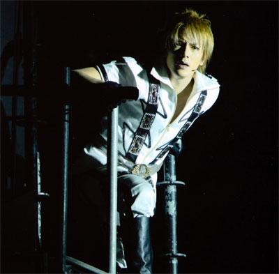 Hideaki before diving