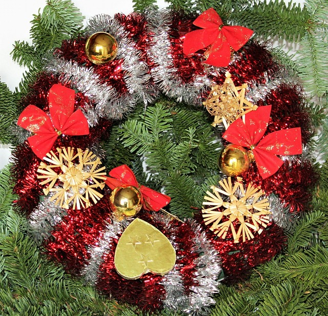 christmas-wreath-1043283_640