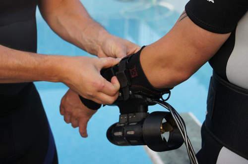 """""""潛水噴射背包""""登場! 讓你在水中也能當鋼鐵人! 還有航空噴射背包噢! - TakoBear"""