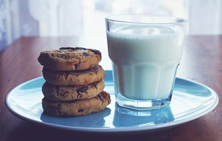 Montgomery County Says Milk and Cookies For Santa Must Follow Outdoor Dining Rules