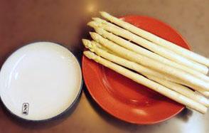 ホワイトアスパラガスの関東煮(かんとだき/おでん)