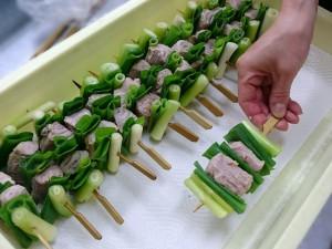 「ねぎま」の関東煮(かんとだき/おでん)を仕込んでいます