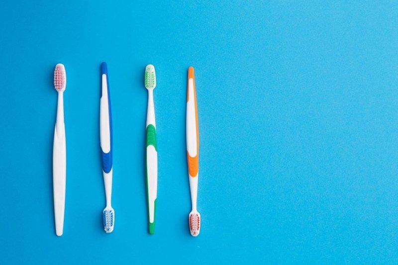 как правильно чистить зубы и ухаживать за ними