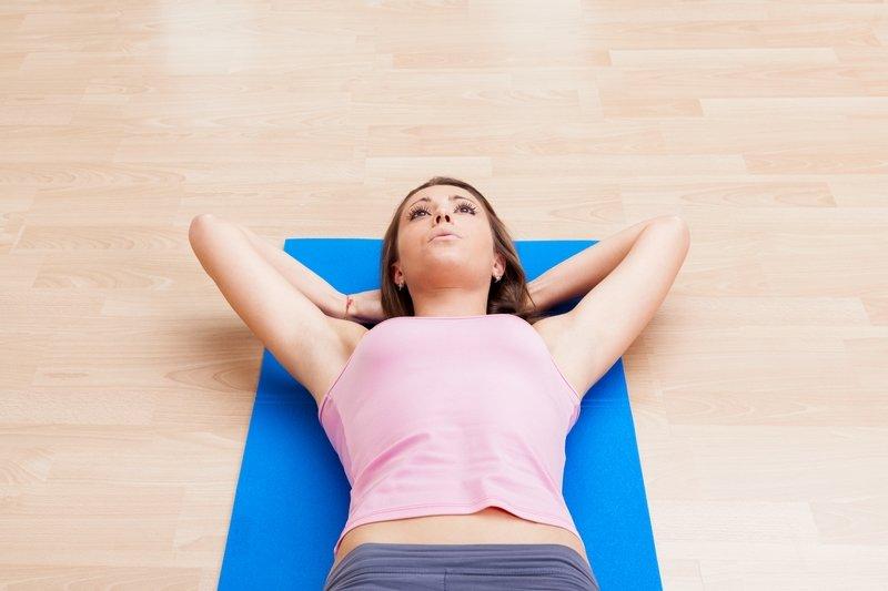 упражнения в зале для живота