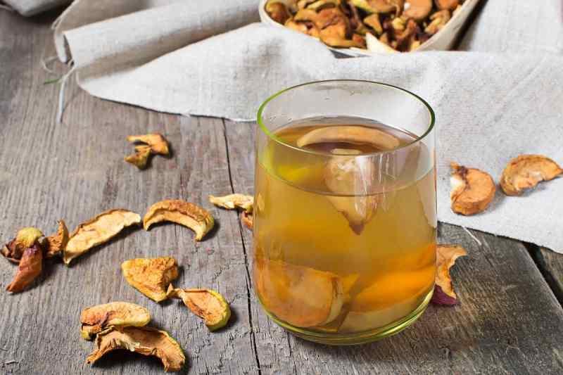 Какими напитками утолить жажду в жаркие летние деньки