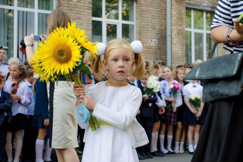 ребенок идет в первый класс