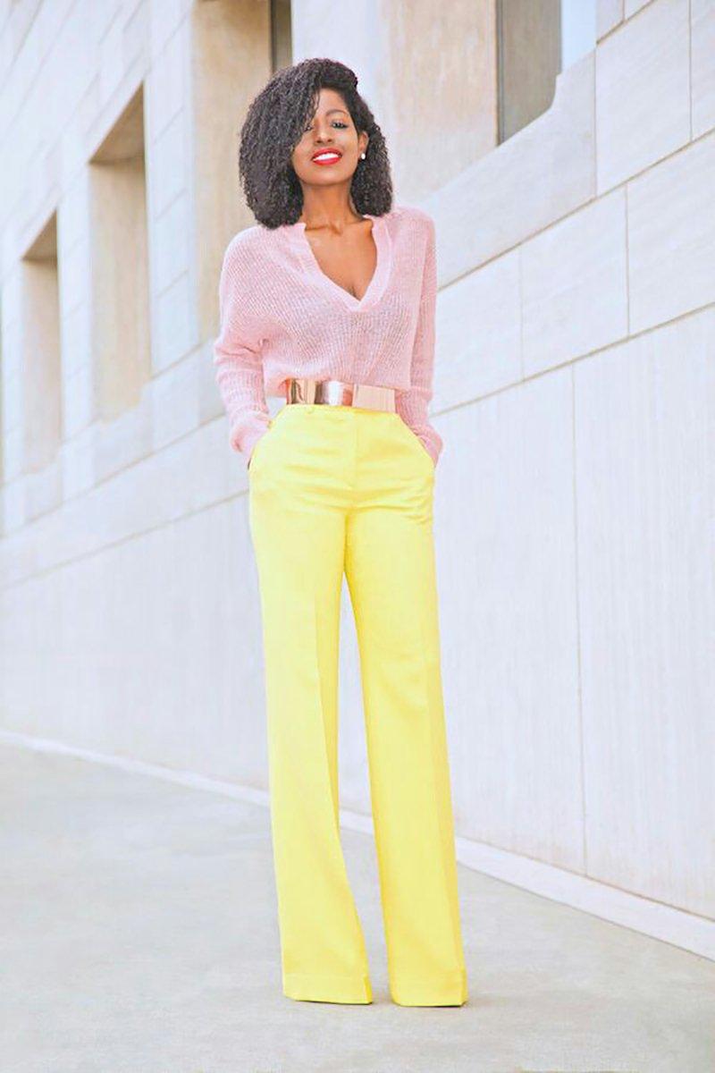 с чем сочетать желтые брюки
