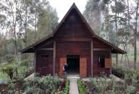rumah adat jawa timur suku tengger