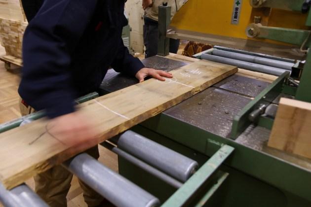 初級課題制作:板が部材になっていく。