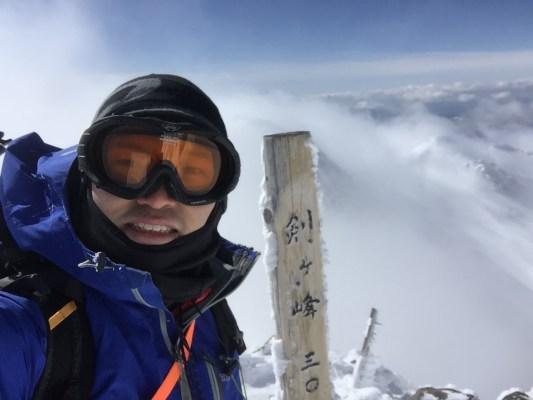 山へ行きます。冬山へ
