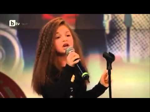 Talented Little girl Singing Listen by Beyonce. Must Watch.