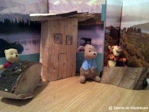 Mihai Stefan C., Oltenita, clasa a IIIa  Casa mea de vis este o casa din lemn aflata la poalele unui munte,pe malul unui lac si inconjurat de animale.