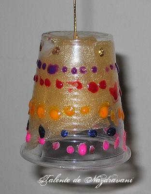 Clopoțel din pahar de plastic
