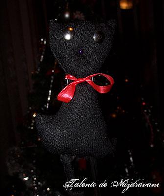 Ornament de brad în formă de pisică