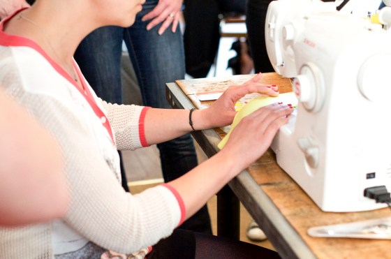 Cours de couture Mademoiselle midinette à Reims. Idées de cadeaux immatériels de dernière minute⎟Talented Girls, conseils business et ondes positives pour les femmes entrepreneures !