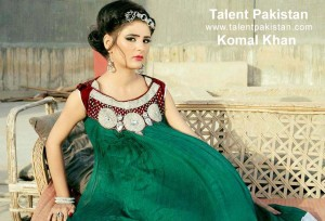 komal khan new look