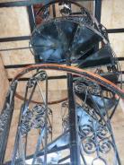 P1220907 iron stairs up