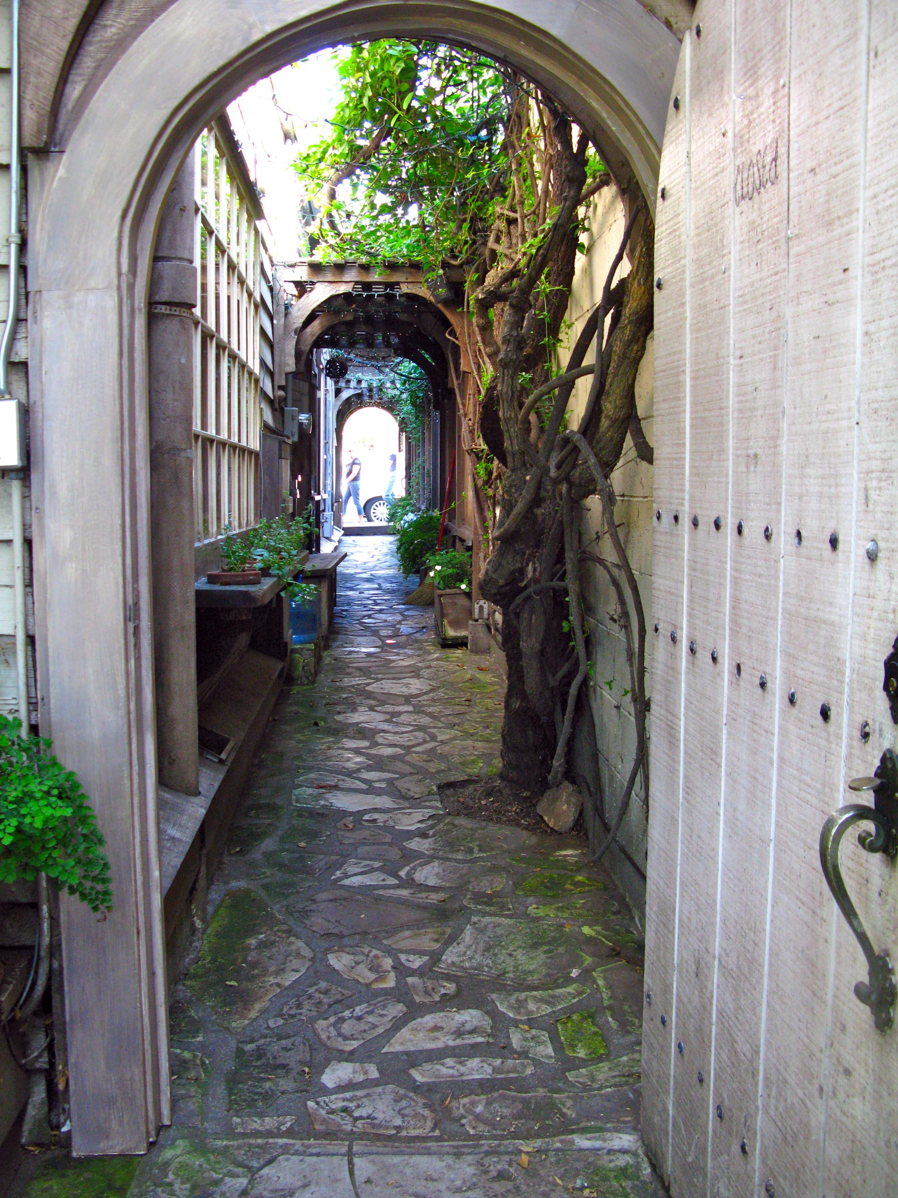 Der Ling Lane One Of Carmel S Secret Passageways And